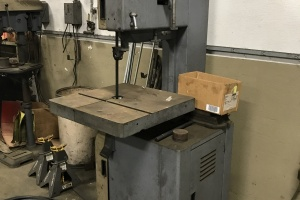 Item 1059- ROCKWELL 28-3X5 VERTICAL BAND SAW: $1,200