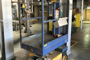 Item 1066- UP-RIGHT 60602 AERIAL LIFT: $1,300